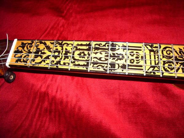 Luthier en madrid y duda sobre grabado en m stil for Luthier madrid