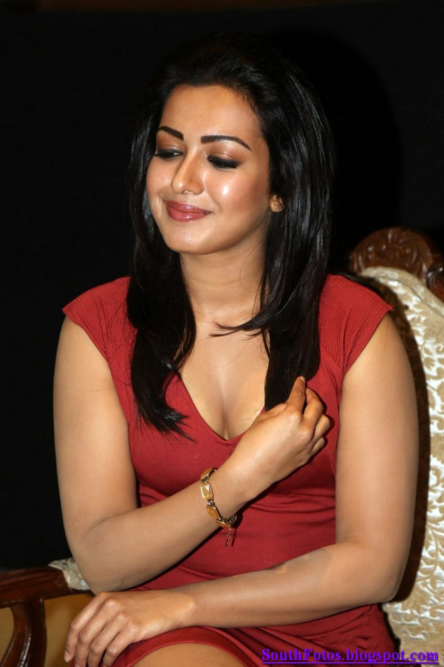 Catherine Tresa Latest Hot Wallpaper
