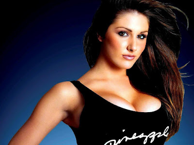 Lucy Pinder Hot Wallpaper