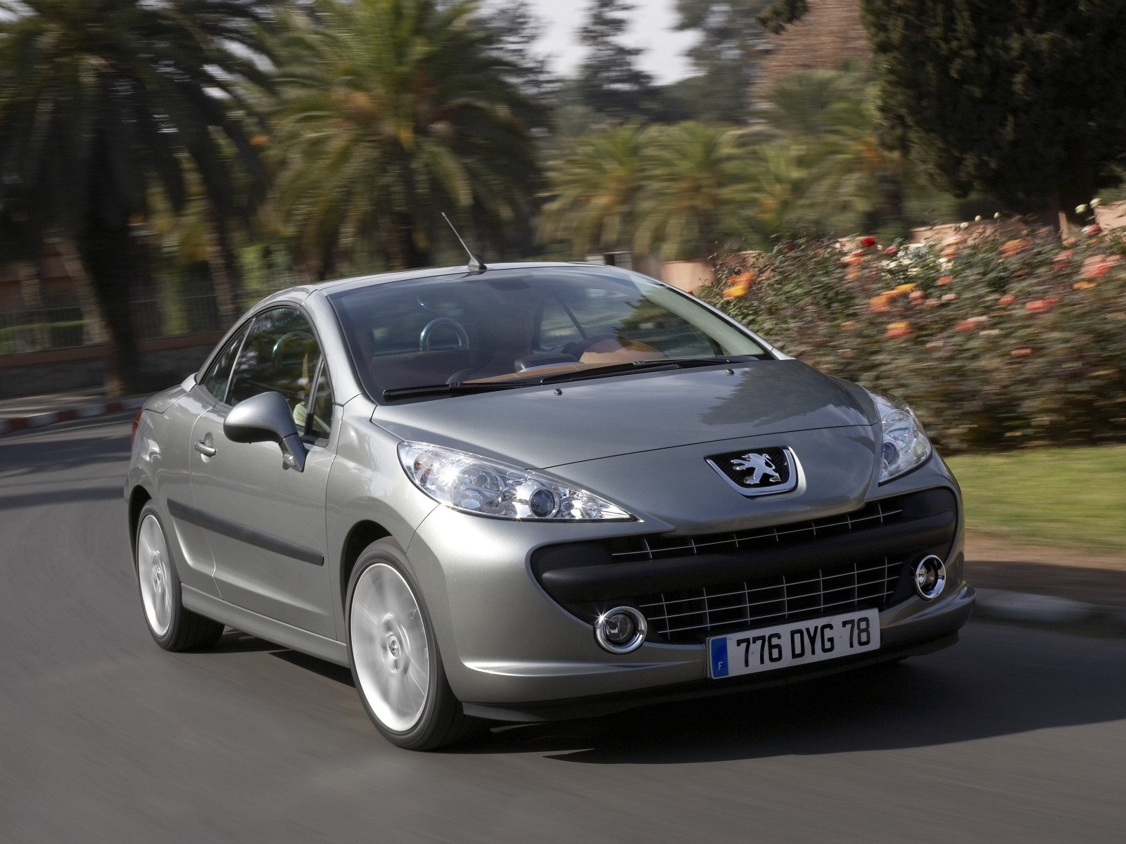 2008 peugeot 207 cc pictures specifications interiors and. Black Bedroom Furniture Sets. Home Design Ideas