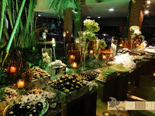 mesa de doce, velas âmbar, forminhas, caixa forradas, Thiago Calil