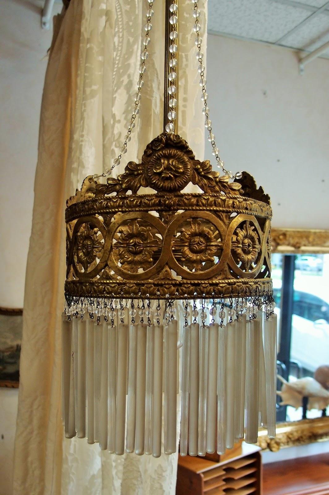 Lampadari antichi   luci romantiche per arredi moderni   Antichit u00e0 Bellini -> Riparazioni Lampadari Antichi