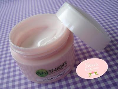 Review Garnier Sakura White