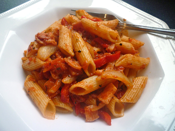 Abbe's Cooking Antics: * Penne with Smoky Bacon and Tomato sauce