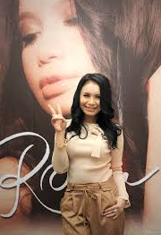 Free Download Lagu Pop Rossa - Akankah Bisa.Mp3