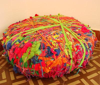 Diseño de sillón puff colorido