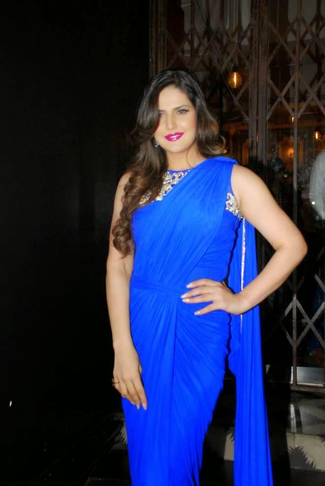 zarine khan latest blue saree pics