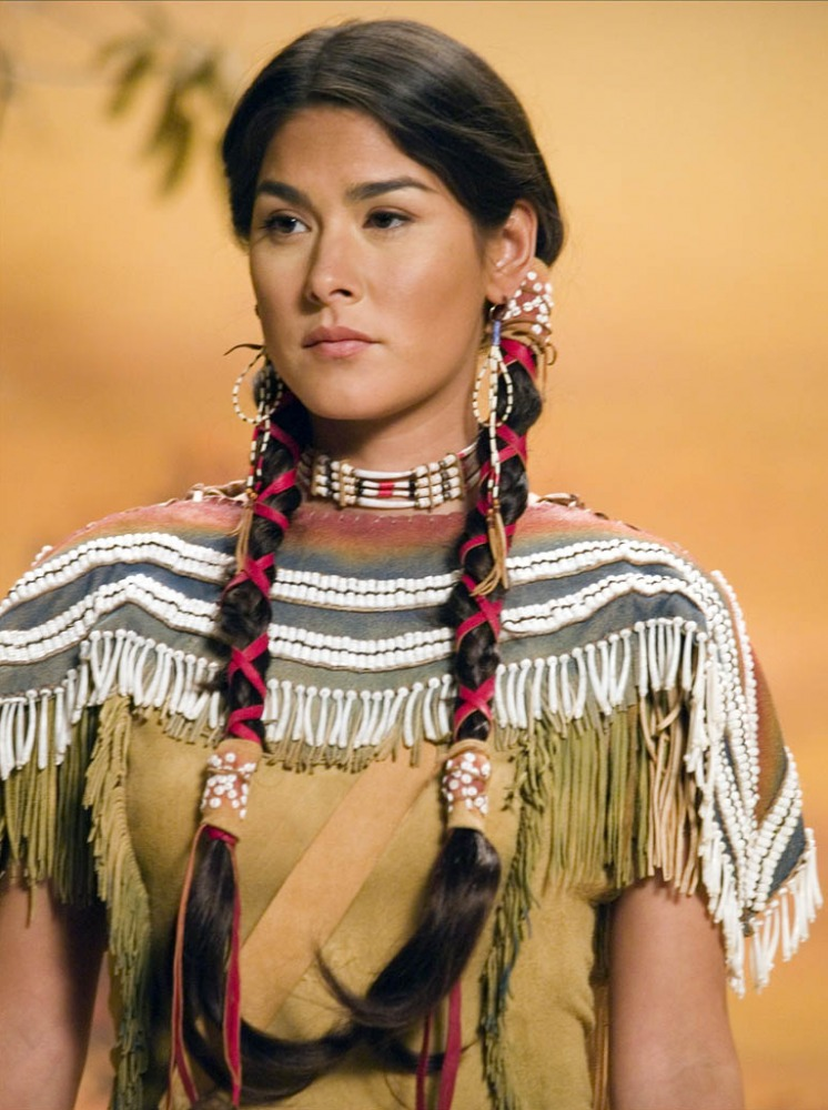 when did the corps of discovery meet sacagawea costume