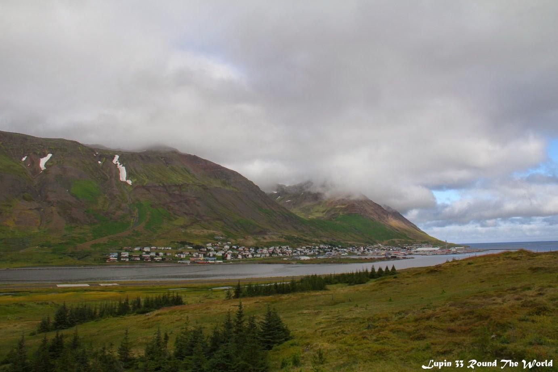 冰島自助旅行遊記照片-遠眺Siglufjordur