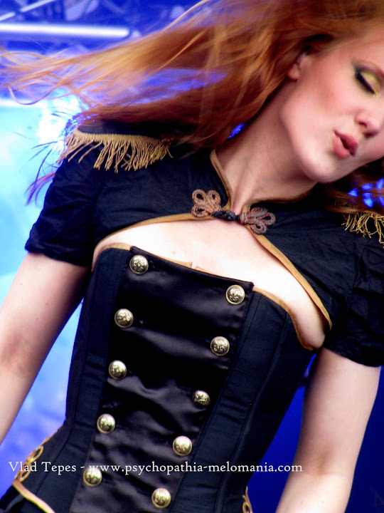 Simone Simons (Epica)