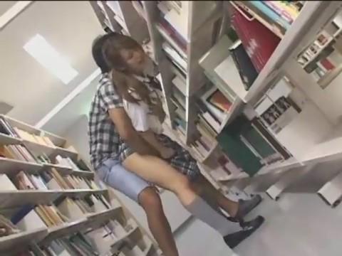 Bokep 3GP Ngentot Gadis SMA di Toko Buku Sampe Puas
