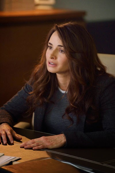 Mia Maestro as Dr. Nora Martinez in The Strain Season 1 Episode 5 Runaways