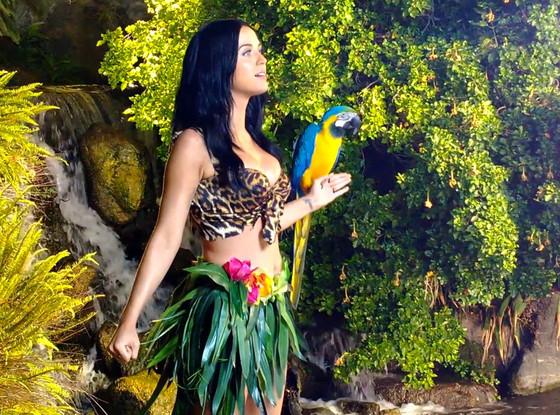 SceneSisters: Katy Per... Katy Perry Roar