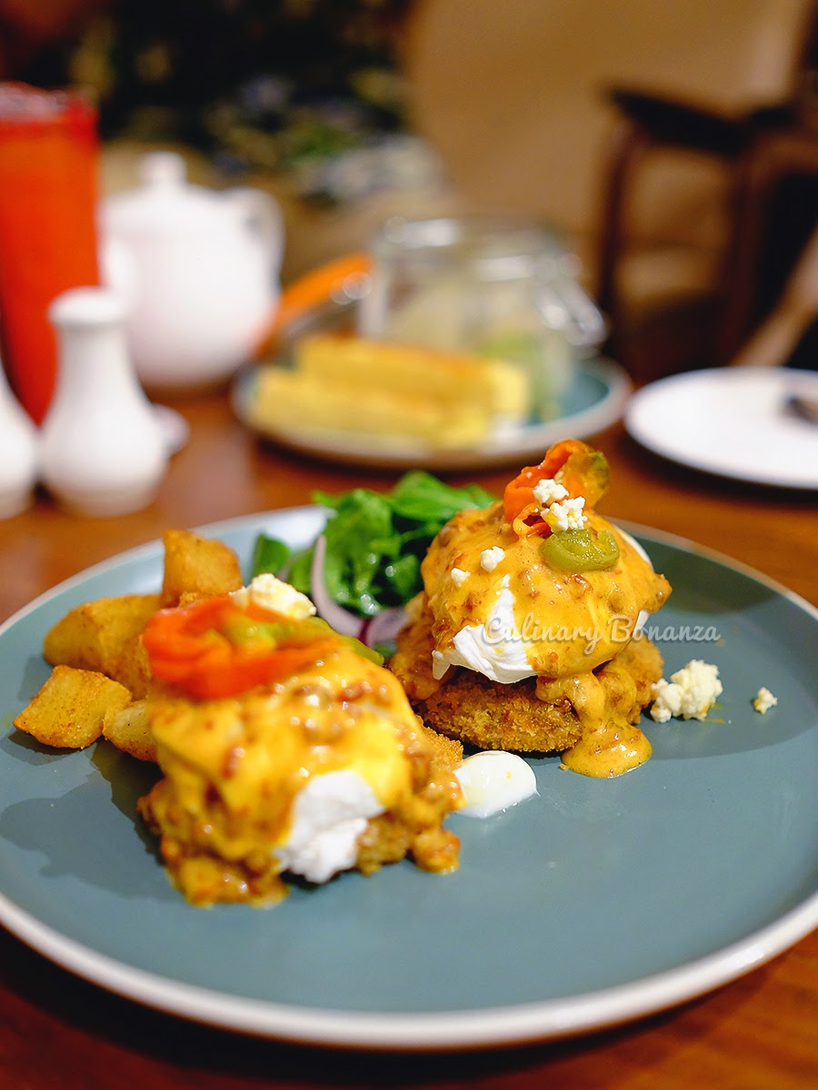 Signature Mexican Eggs Benedict - Benedict Jakarta (source: www.culinarybonanza.com)
