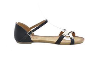sandale negre cu decoratiuni metalice