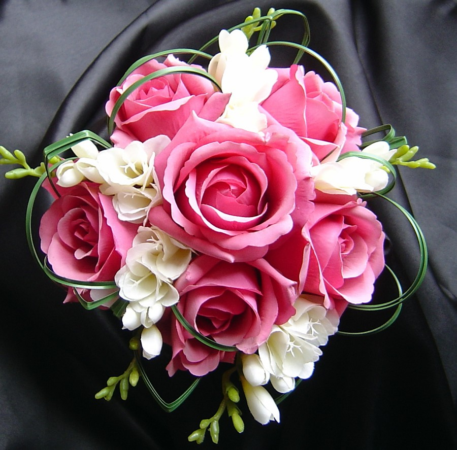 Wedding flowers bouquet of rose flowers for Pink roses flower arrangements