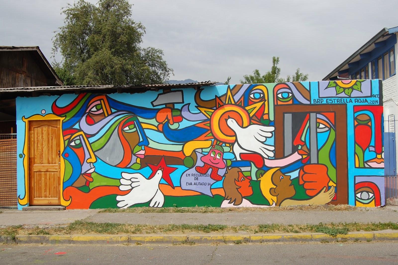 mural con la historia de los soporopos pintada en mi casa si miras con atencin veras a la mama en prisin sus dos hijos visitndola ella estirando la