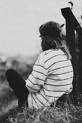Y morirme contigo si te matas y matarme contigo si te mueres; porque el amor cuando no muere, mata;