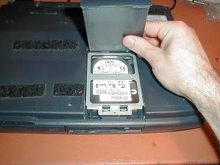 Pemulihan data dari drive di laptop