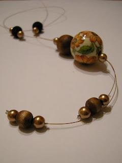 biżuteria z półfabrykatów i decoupage - złoty wisior