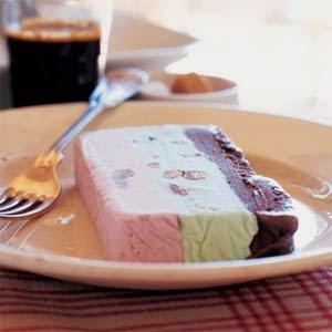 http://rawfoodrehab.ning.com/forum/topics/foodie-friday-a-taste-of