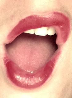rouge à lèvres rouge, clarins, rouge baiser, bouche, sexy