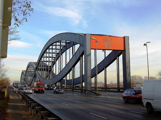 جسور+ثقف+نفسك+3 مدينة الجسور في هامبورغ