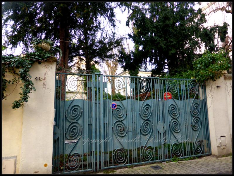 Gate grille impasse de Toulouse Versailles