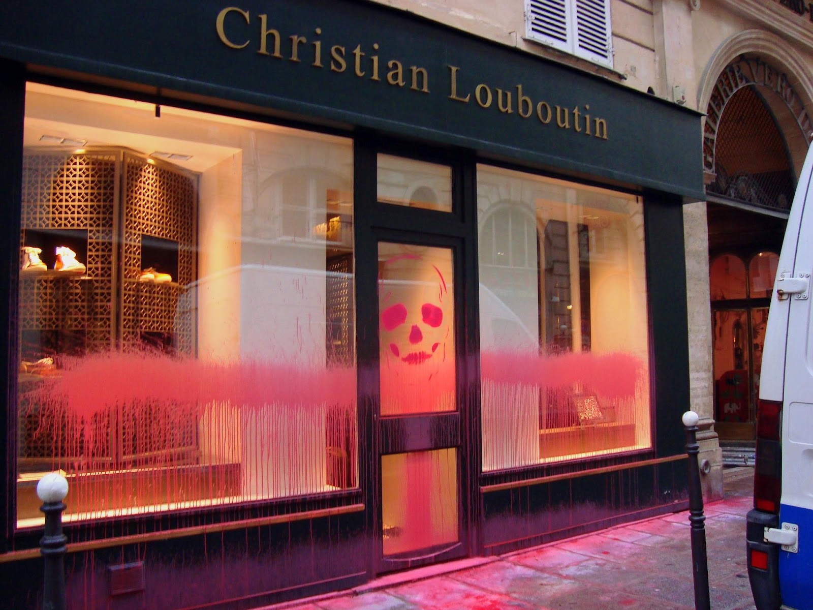 christian louboutin paris store address