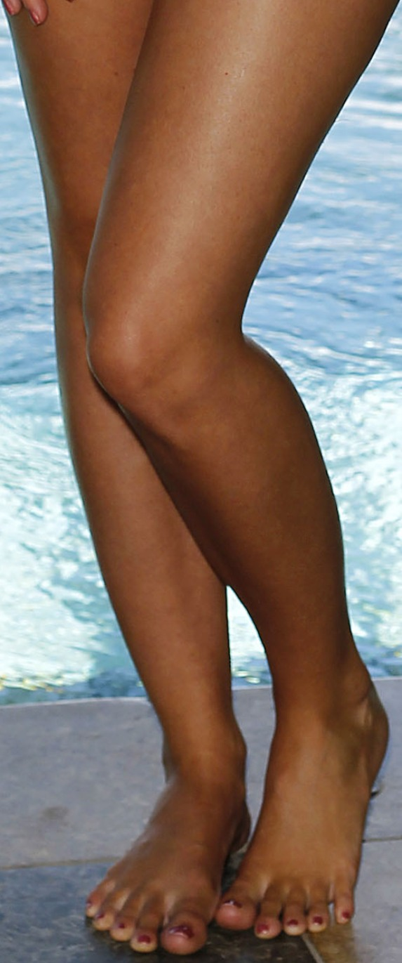 desirea spencer legs and feet