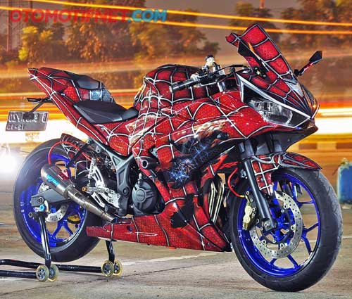 Foto Modifikasi Yamaha YZF-R25, Ala Spiderman