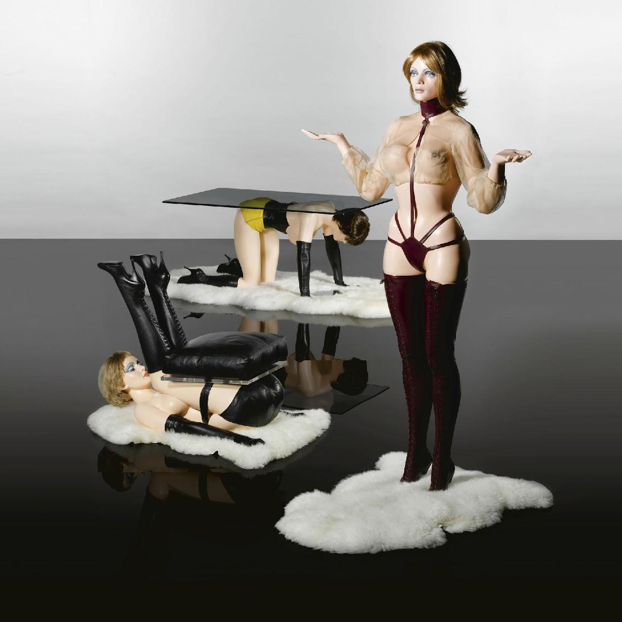 http://2.bp.blogspot.com/-udO5j1zoSCU/T70sqm3Mv9I/AAAAAAAAQps/fZdux83IKr4/s1600/Modern_Furniture.jpg