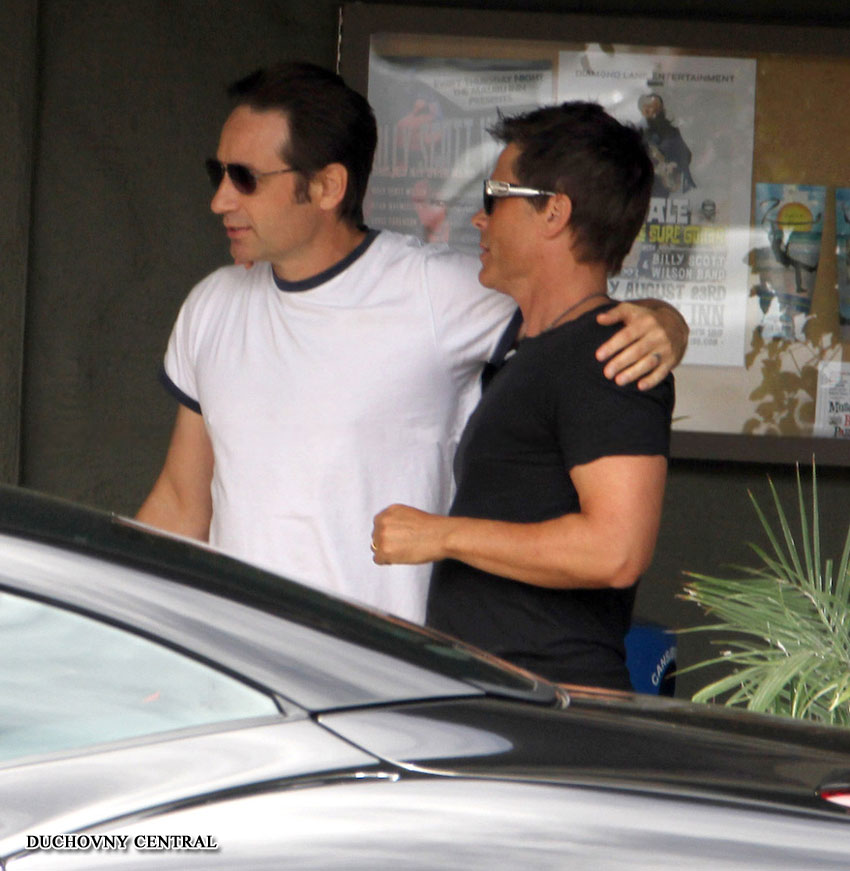 Photo of David Duchovny & his friend actor  Rob Lowe - At the work