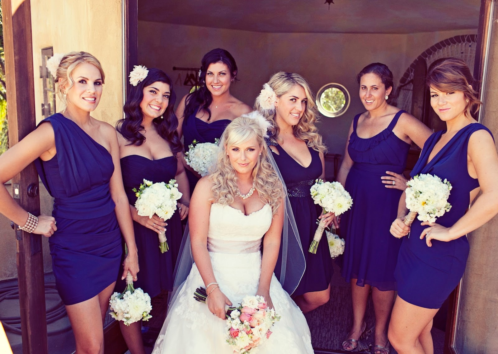 Encantador Hired Wedding Dresses Ideas Ornamento Elaboración ...