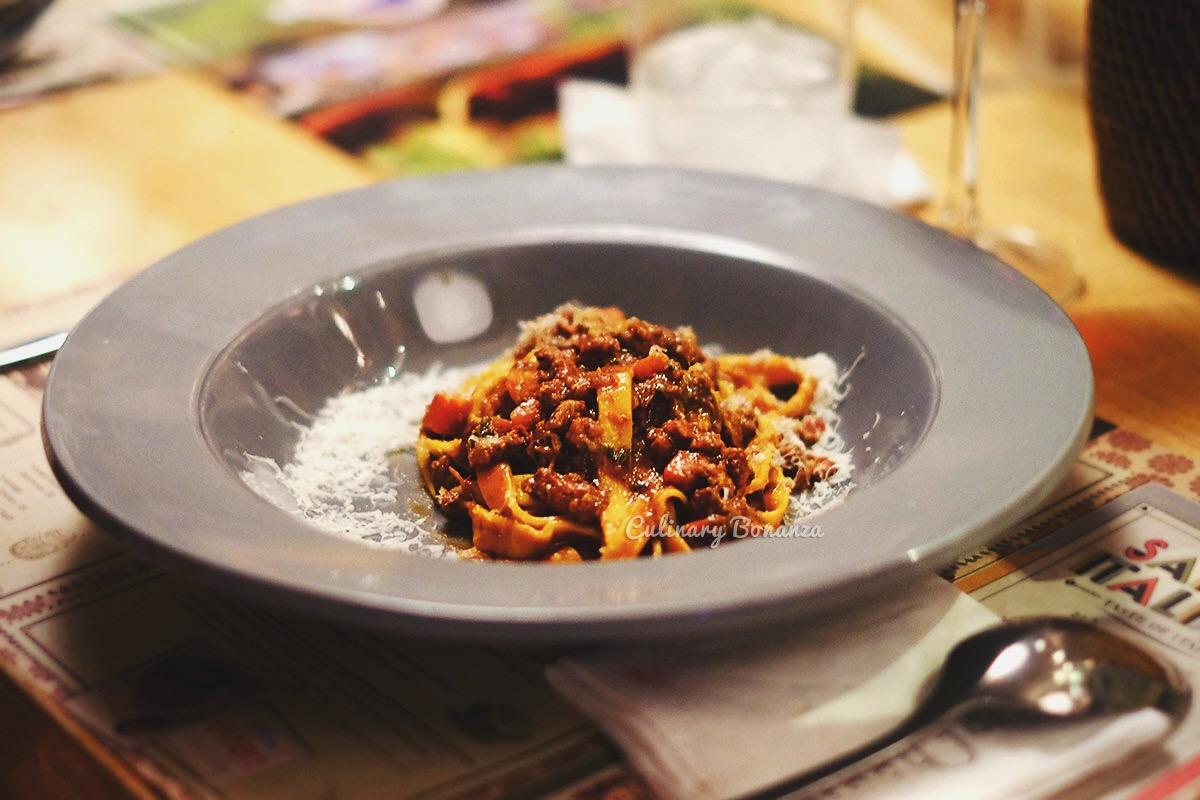 slow braised lamb ragout, fresh fettuccine pasta (www.culinarybonanza.com)