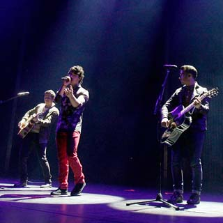 Jonas Brothers – First Time Lyrics   Letras   Lirik   Tekst   Text   Testo   Paroles - Source: emp3musicdownload.blogspot.com