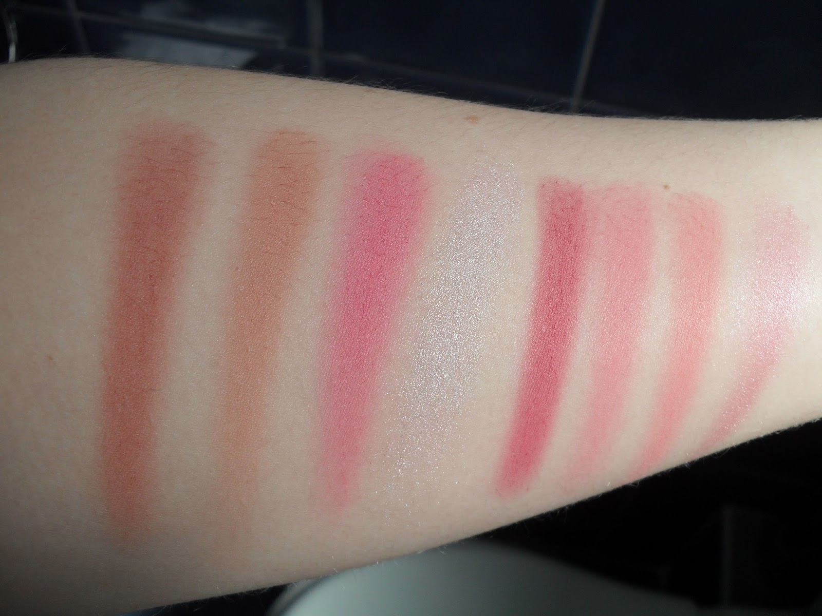 Makeup Revolution Ultra Blush and Contour Palette - Sugar and Spice Swatches