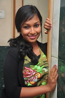 Swathi Narthagi Tamil Beauty