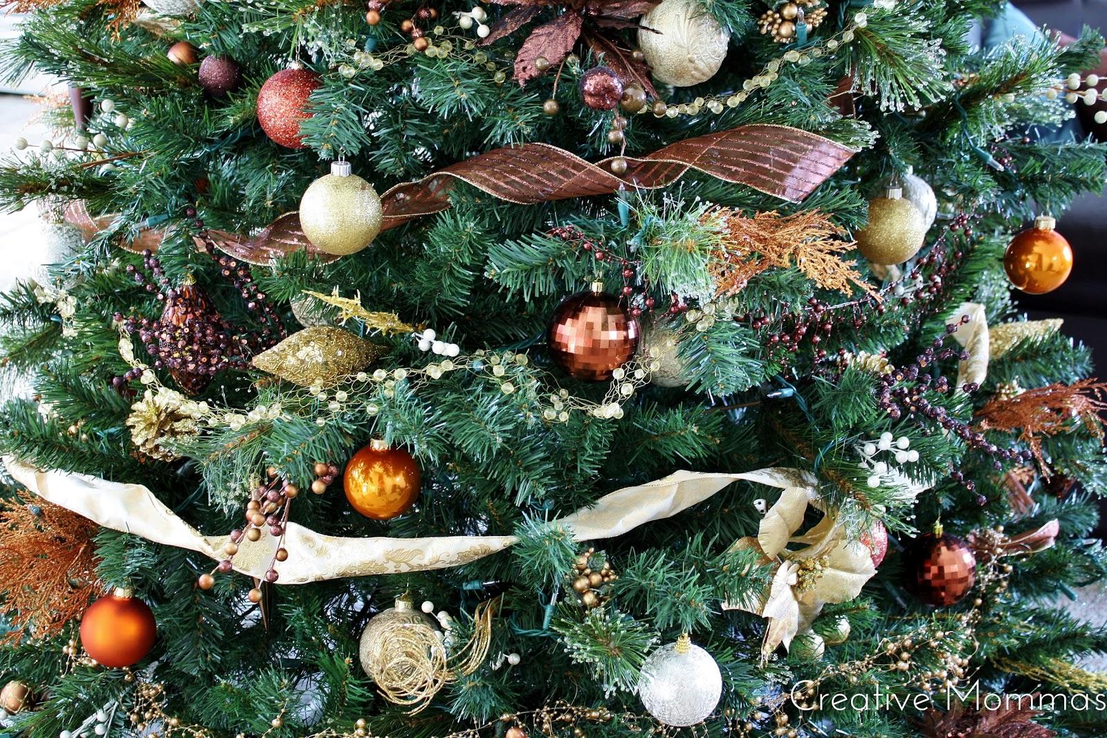Creative Mommas: 2013 Christmas Tree in the Alba Home
