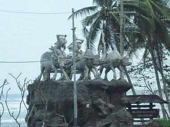Patung Makepung di perbatasan Jembrana-Tabanan