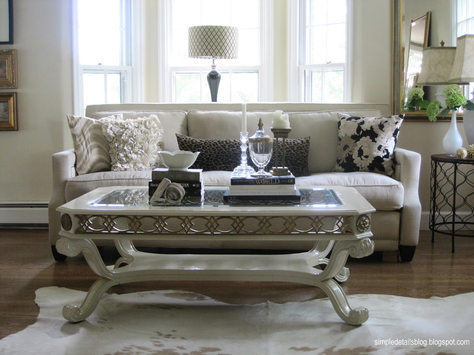 And her living room is a fabulous balance of comfortably cozy with a title=