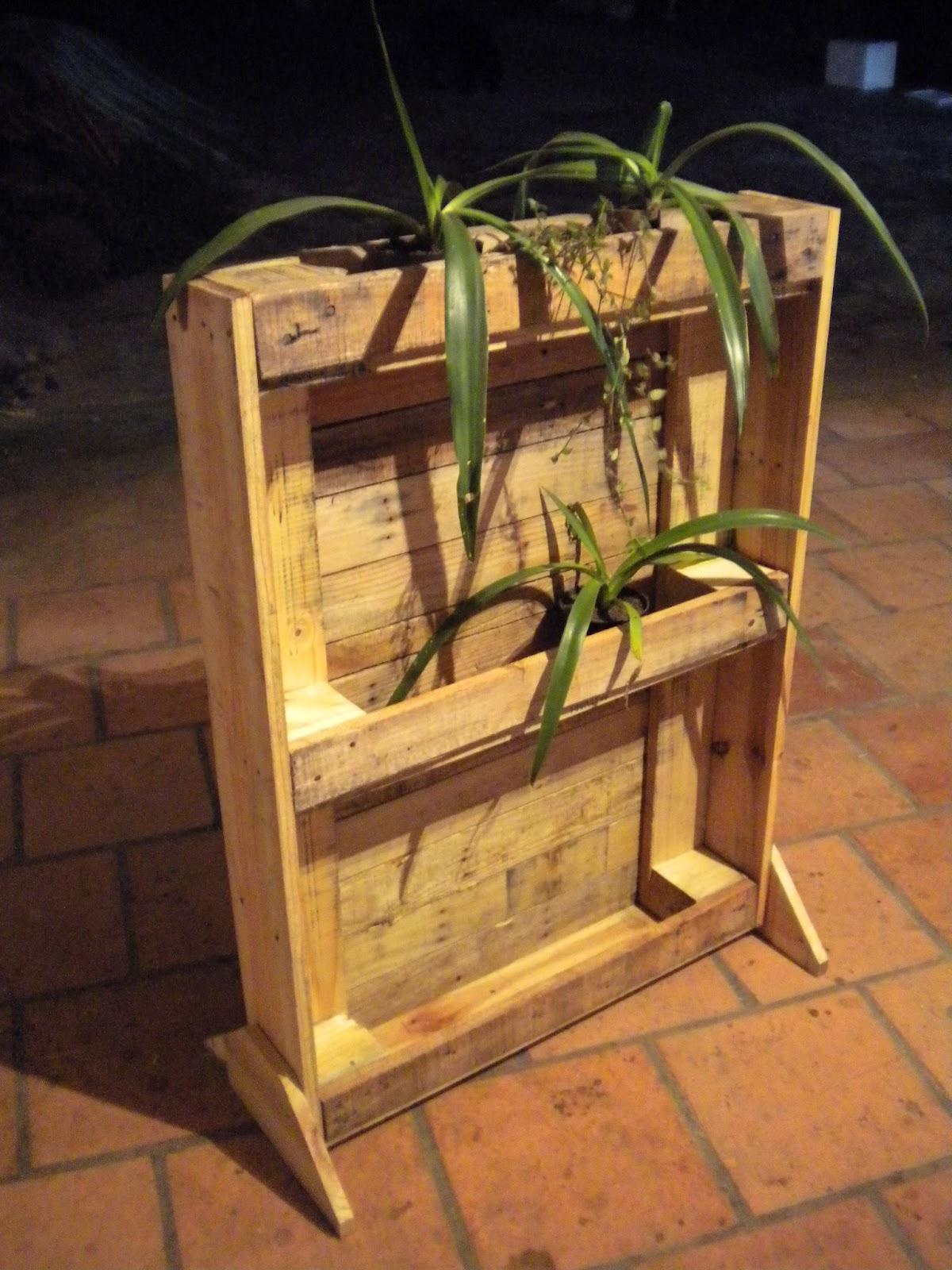 Verde e arte estante para plantas for Estantes para plantas exteriores