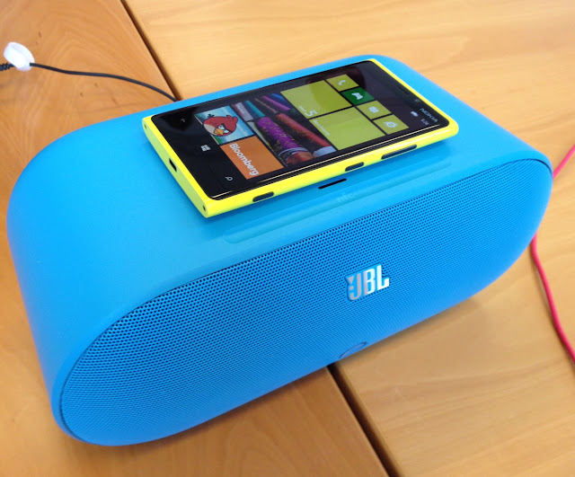 Nokia Lumia 920 Windows Mobile Phone Image 2