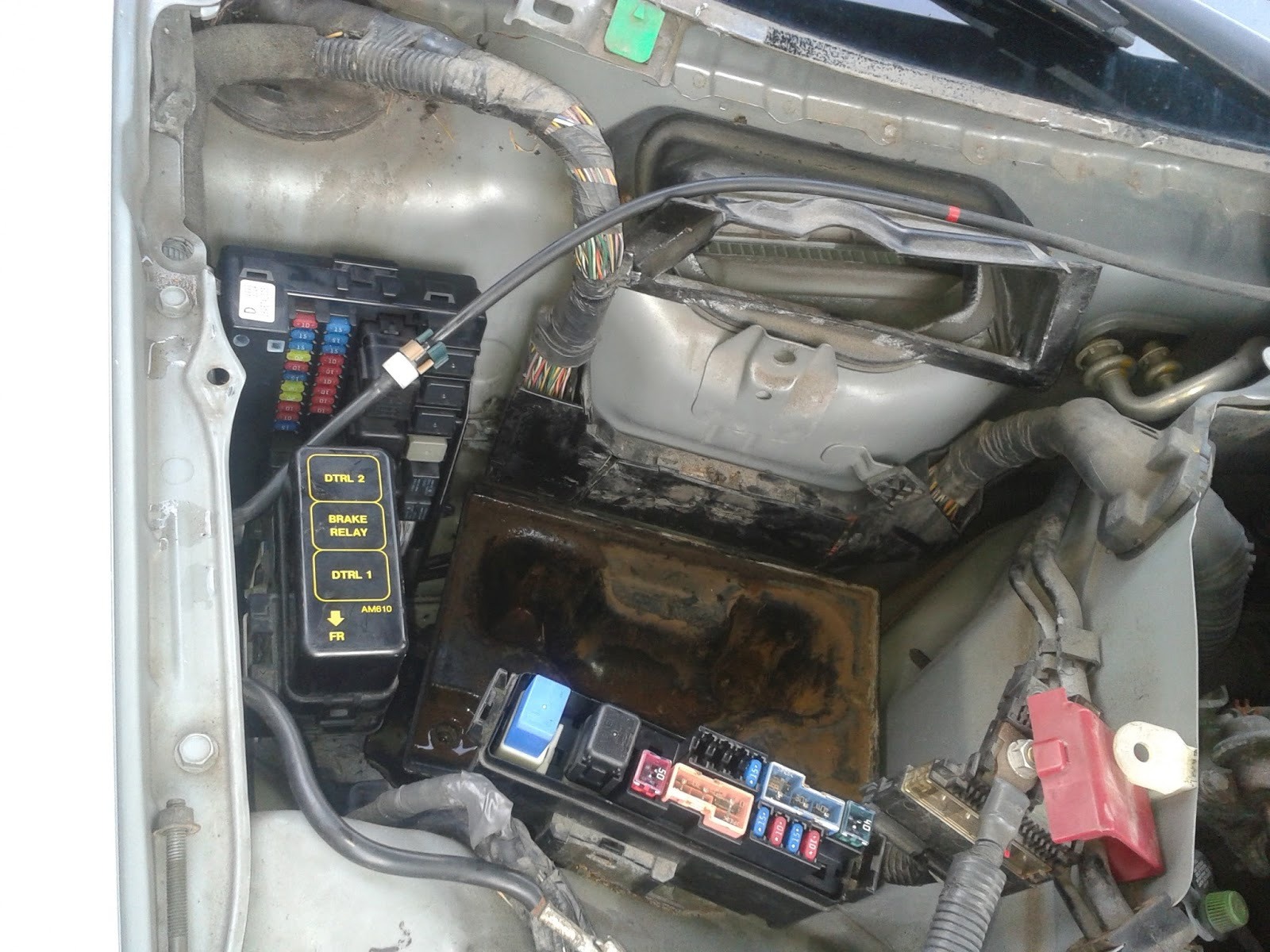 B on 2003 Nissan 350z Fuse Box Location