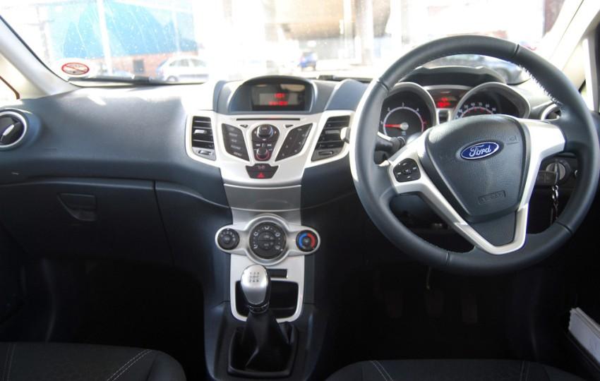 Untuk Desain Dashboard Bisa Dibilang Ford Fiesta Sudah Cukup Futuristik Dan Modern Bila Dibandingkan Dengan Pesaingnya Di Tahun