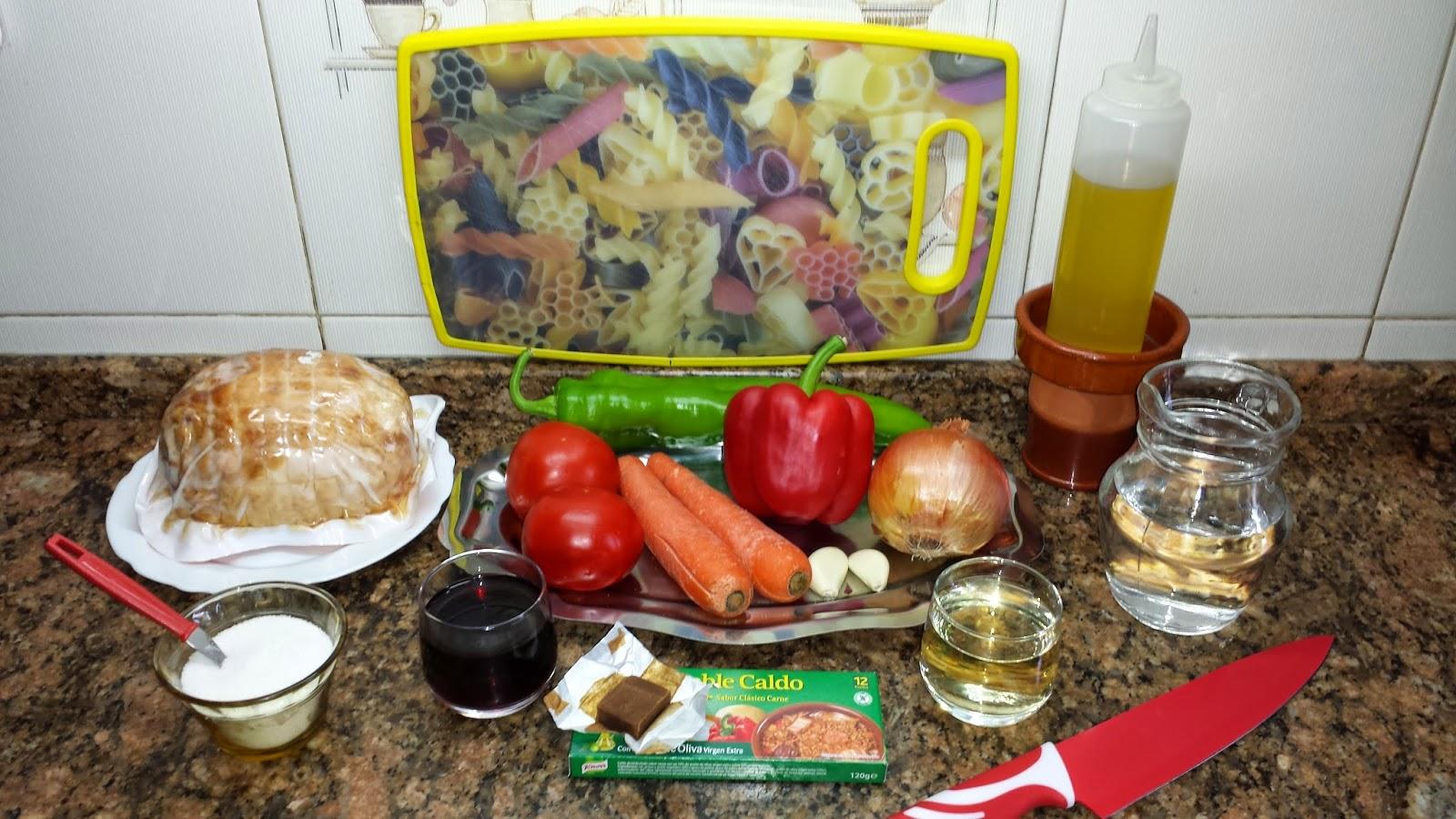 Redondo de pollo relleno en salsa de verduras la cocina for Cocina tradicional
