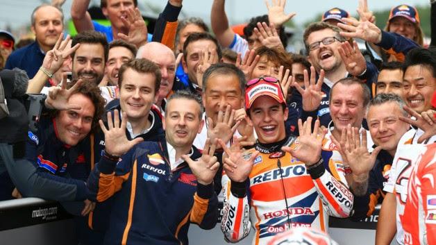Márquez celebra su octava victoria en ocho carreras