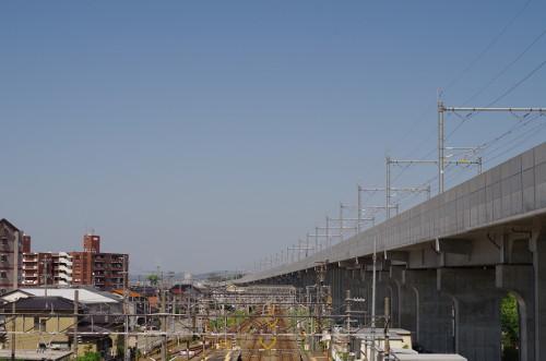 松任駅付近の北陸新幹線の高架
