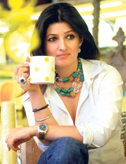 Twinkle khanna bollywood hd hot photos gallery for Interior designs by twinkle khanna