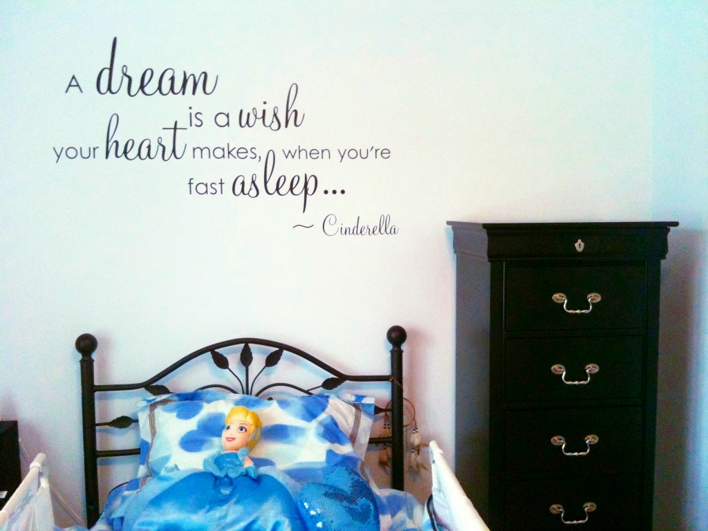 From BalancingMama Update Cinderella bedroom ting